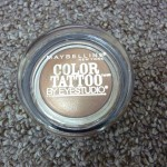 Sombra Color Tattoo Bad to the Bronze de Maybelline